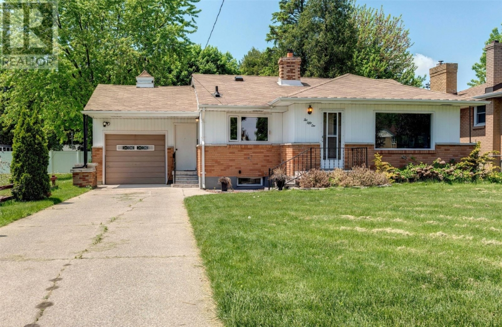 Real Estate Listing   251 EAST STREET South Sarnia