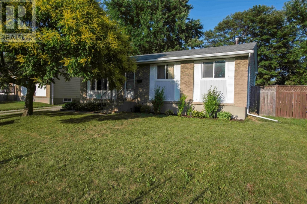 Real Estate Listing   354 SOMERSET CRESCENT Sarnia