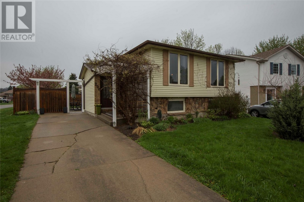 Real Estate Listing   200 THAMES CRESCENT Sarnia