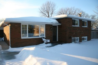 Real Estate Listing  377 ALFRED ST. CLAIR